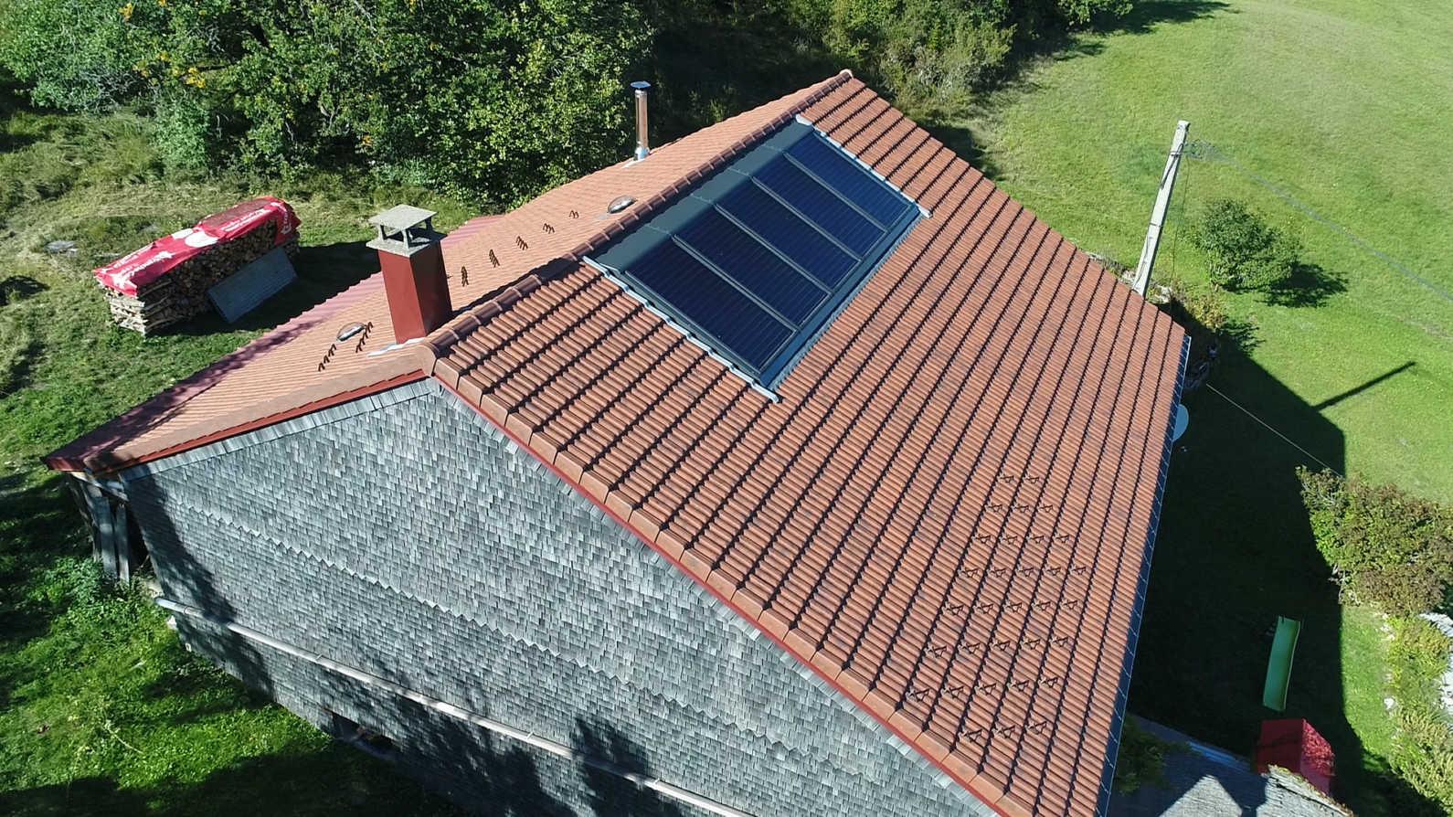 Panneaux solaires thermiques intégrés en toiture